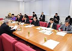 地方分権改革について議論した党推進本部=2日 衆院第2議員会館