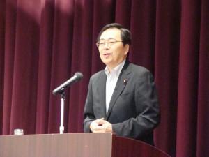 出雲市で講演する斉藤鉄夫